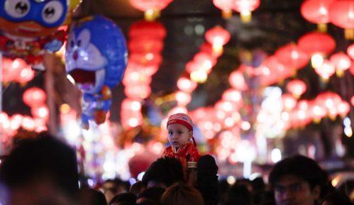 Radnici Ziđina okupljanjem tražili vakcinu zbog proslave kineske nove godine 11