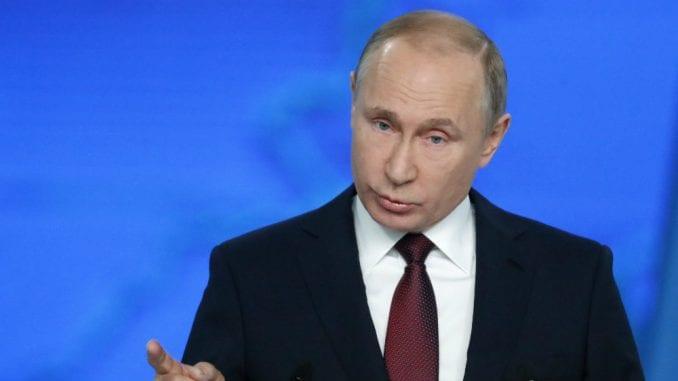 Putin potpisao zakone kojim se ograničava rad onlajn medija u Rusiji 1