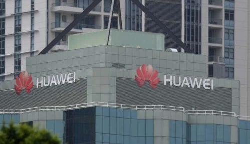 I Britanija proteruje Huawei 6