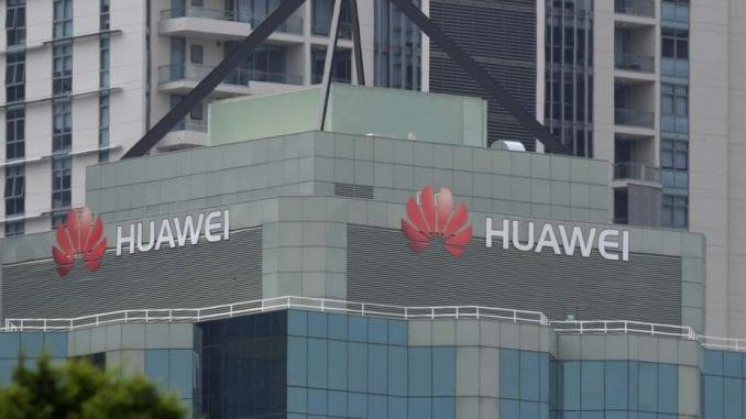 I Britanija proteruje Huawei 1