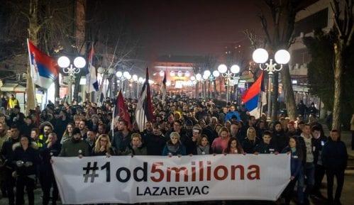 Organizatori protesta u Lazarevcu najavili tužbu zbog mobinga 15