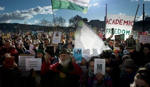 Stotine naučnika u protestu protiv reformi finansiranja u Mađarskoj 15