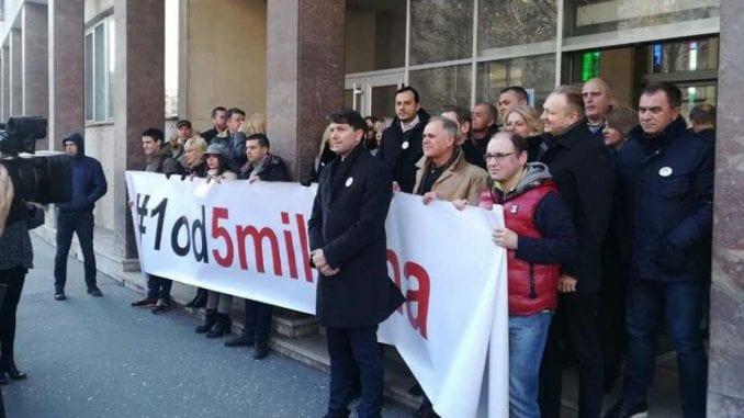 Opozicija bojkotuje sednicu Skupštine Beograda u skladu sa Sporazumom sa narodom 1