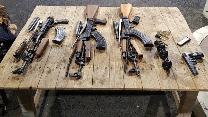 Uhapšeni na Batrovcima zbog nedozvoljenog nošenja oružja 1