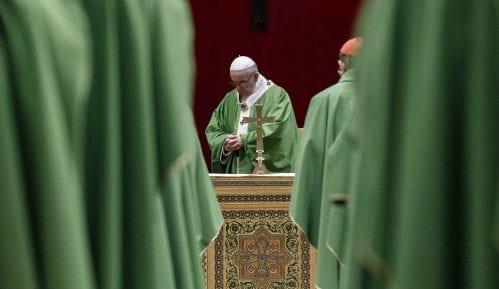 Papa uveo novi zakon koji nalaže sveštenicima da prijave seksualno zlostavljanje 11