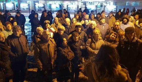 Protest otpuštenih radnika fabrike stakla u Paraćinu 13