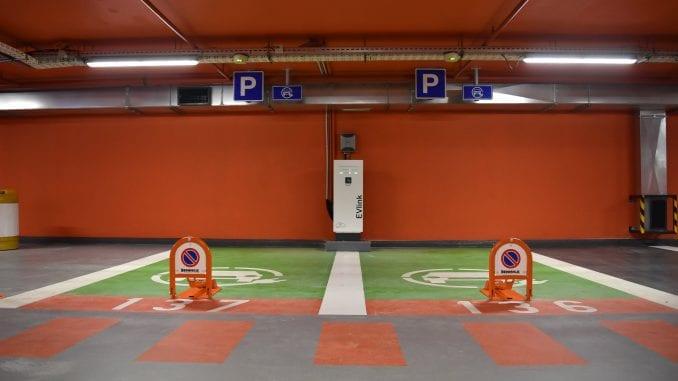 """Otvorena garaža """"Pionirski park"""" 1"""