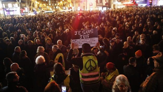 Hiljade ljudi u Parizu na skupu protiv antisemitizma 2