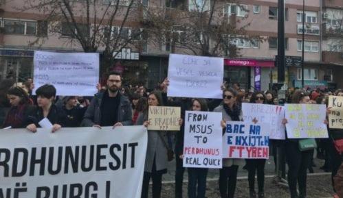 Protest ispred Policijske stanice u Prištini 15