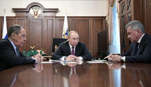 Putin: I Rusija će istupiti iz sporazuma o nuklearnom oružju 11