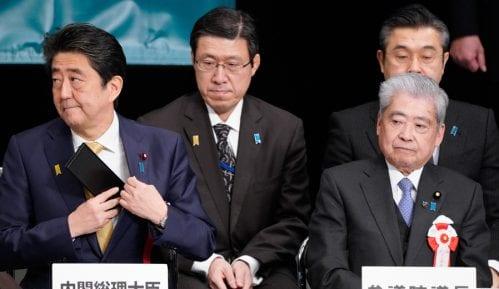 Abe obećao rešavanje spora s Rusijom 7