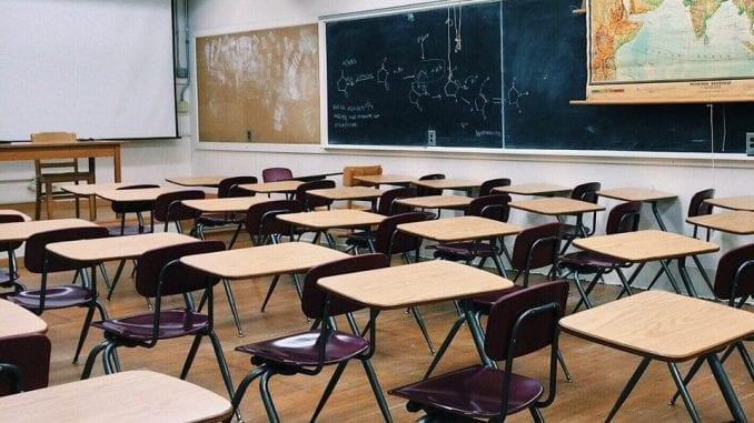 Štrajk upozorenja u školama u Sremskoj Mitrovici 4