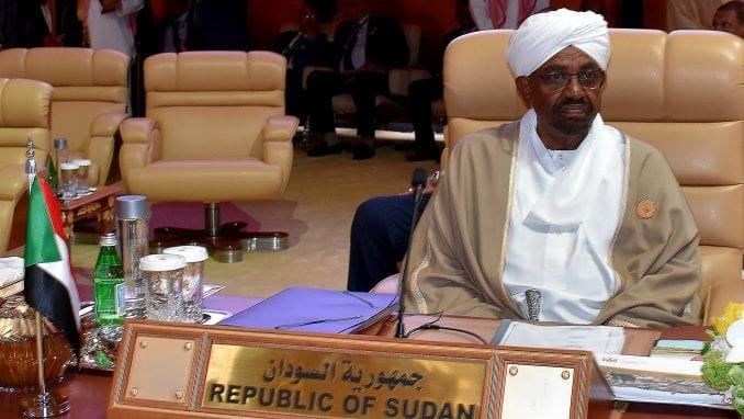 Sudan: Uvedeno vanredno stanje, raspuštena savezna vlada 2
