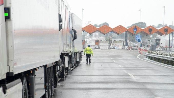 Putevi Srbije: Teretna vozila na pojedinim graničnim prelazima do pet sati, putnička sat vremena 3