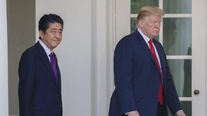 Tramp: Šinzo Abe predložio me je za Nobela za mir 1