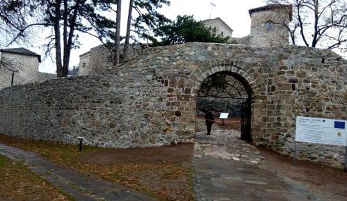 Dečak povređen prilikom pada sa tvrđave Kale u Pirotu 15