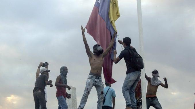 Gvaido: Međunarodna zajednica da ostavi otvore sve opcije za spas Venecuele 4