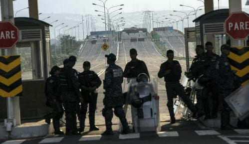 Vlasti Venecuele naložile zatvaranje dela granice s Kolumbijom 1