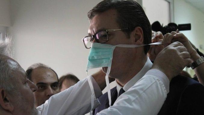 Vučić: Pozivali ljude na protest u sezoni gripa, a meni zamerili što sam se slikao sa dečakom 1
