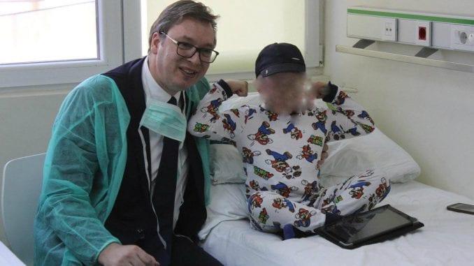 Vučić ugrozio obolelu decu zbog sopstvene promocije 2