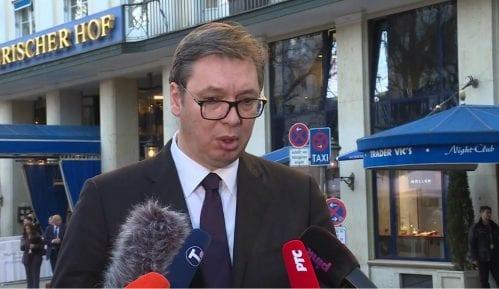 Vučić: Biće mira sve dok neko ne bude fizički napao Srbe na Kosovu 15