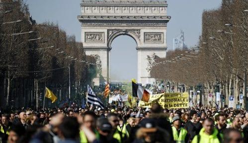 U nedelju godinu dana od početka protesta Žutih prsluka u Francuskoj 9