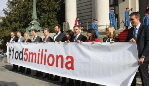 Poslanici 13. aprila (ne)će moći da uđu u parlament 8