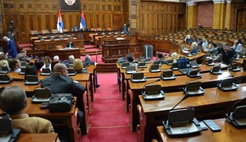 Počela sednica, opozicija dočekivala ministre ispred Doma Narodne skupštine 5