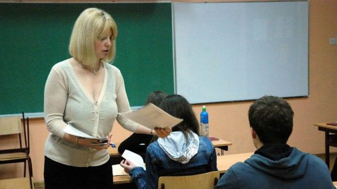 Sindikat: Više od 22.000 ljudi u obrazovnom sistemu radi na ugovor 1