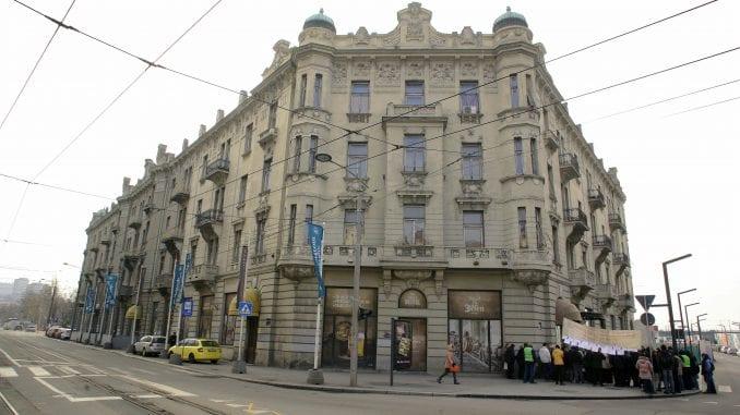 Vojni penzioneri iz beogradskog Bristola dočekali rešenje stambenog pitanja, a ostali nisu 4