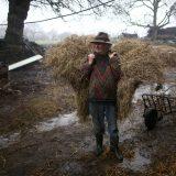 Upoznajte farmera koji je pronašao sreću u staromodnom načinu života 11