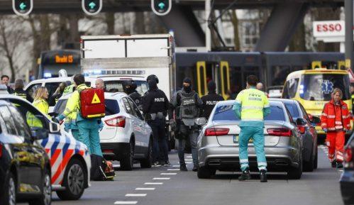 Holandija: Tri osobe ubijene, a nekoliko povređeno u napadu na tramvaj u Utrehtu 14