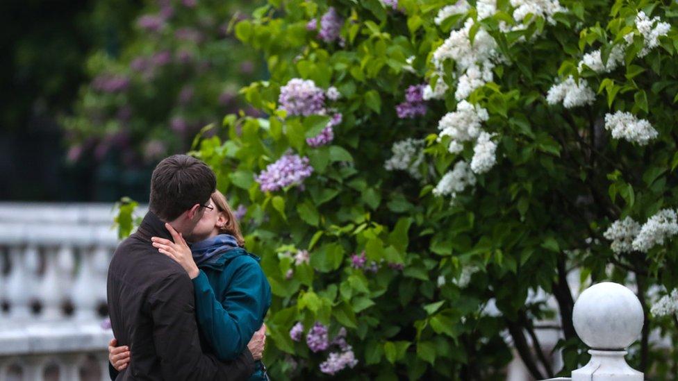 Poljubac mladih u Moskvi