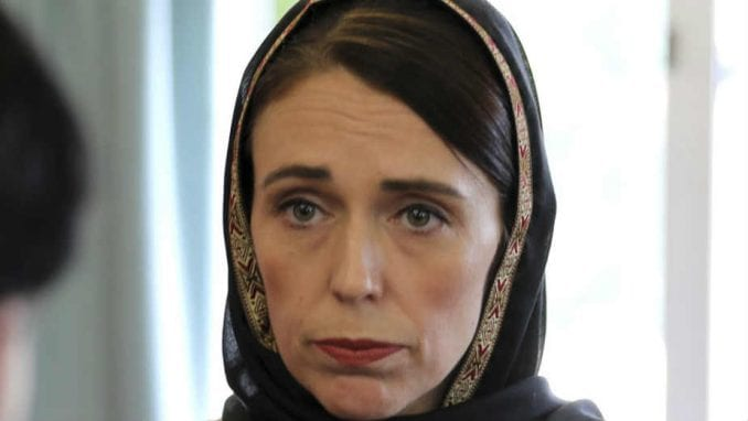 Premijerka i vlada Novog Zelanda smanjuju svoje plate za 20 odsto u znak solidarnosti 2