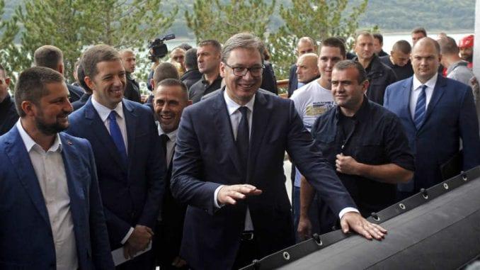 Kosovske takse - Vučić pomešao prihode države sa prihodima preduzeća 1