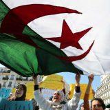 Alžirci zabrinuti zbog predsednika koji se ne oglašava nakon lečenja zbog korona virusa 8