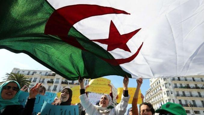 U alžirskim konzulatima u Francuskoj počelo glasanje za predsedničke izbore 1