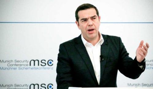 Premijer Grčke tvrdi da je pod pritiskom konzervativaca iz Brisela 2