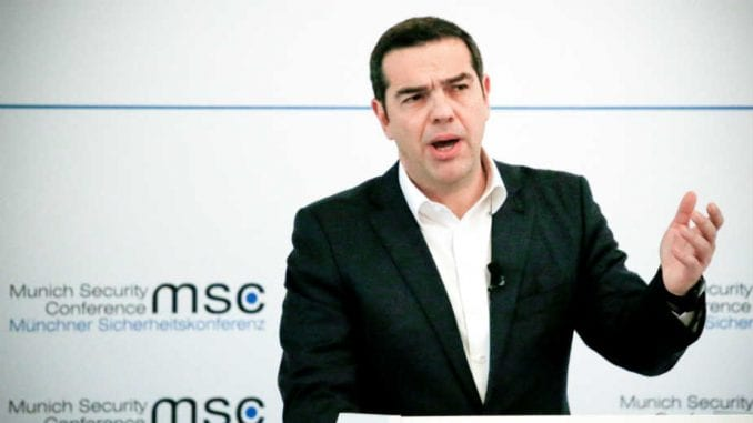 Premijer Grčke tvrdi da je pod pritiskom konzervativaca iz Brisela 1