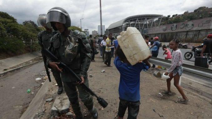 Amerika povlači diplomate iz Venecuele 1