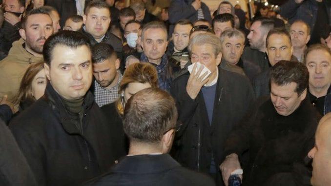 Sali Beriša zvezda protesta u Albaniji 3