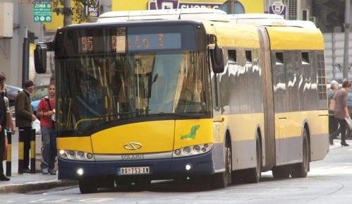 Pukla vodovodna cev u Kraljice Natalije, promenjeno više trasa autobusa 10