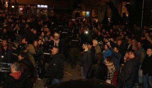Kako su mediji izveštavali o upadu demonstranata u RTS 11