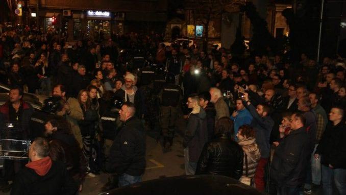 Kako su mediji izveštavali o upadu demonstranata u RTS 1