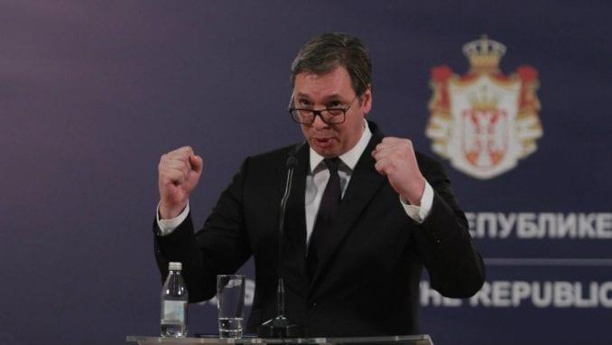 Vučić: Slušao sam sa terase govornike na protestu, nije ih se okupilo više od 7.500 1
