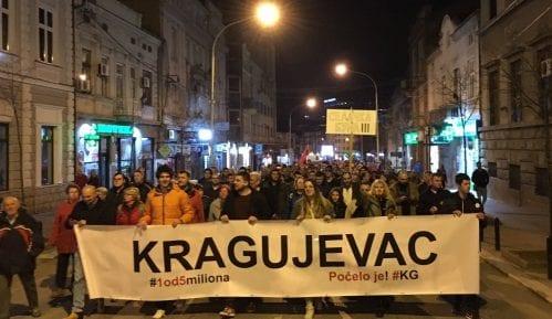 """Protesti """"1 od 5 miliona"""" održani u nekoliko gradova u Srbiji (FOTO, VIDEO) 8"""