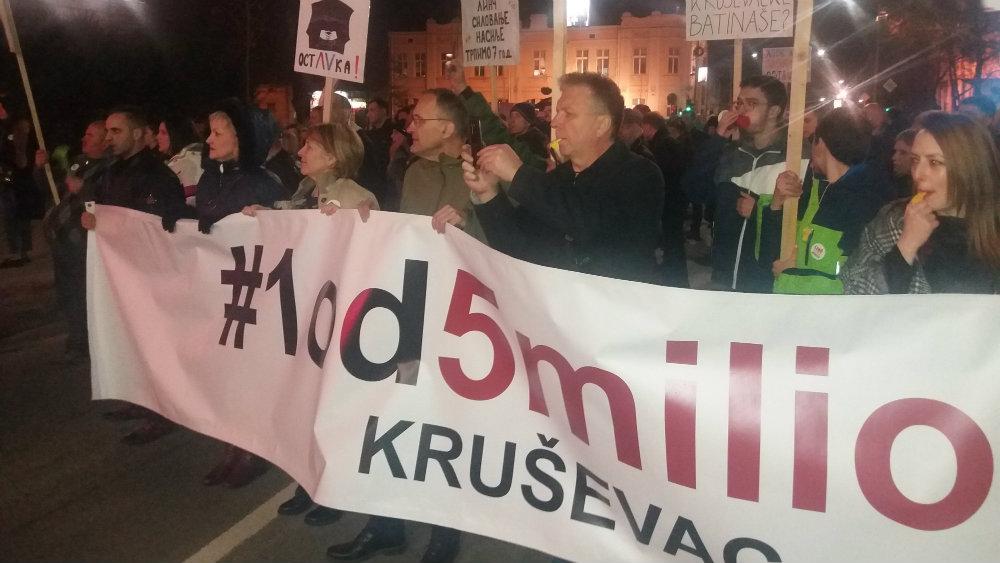 """Protesti """"1 od 5 miliona"""" održani u više od 25 gradova Srbije (FOTO, VIDEO) 23"""
