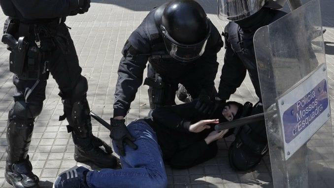 U Barseloni pet povređenih u sukobu demonstranata 1