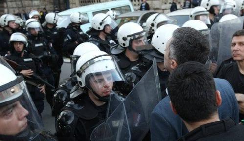 Protest završen, Obradović dao rok policiji da oslobodi uhapšene (VIDEO)(FOTO) 3
