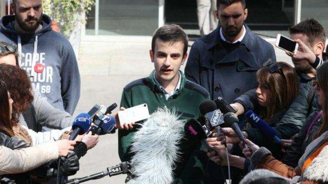 Uhapšeni studenti ispred RTS-a govorili o spinovanju medija u interesu režima 2